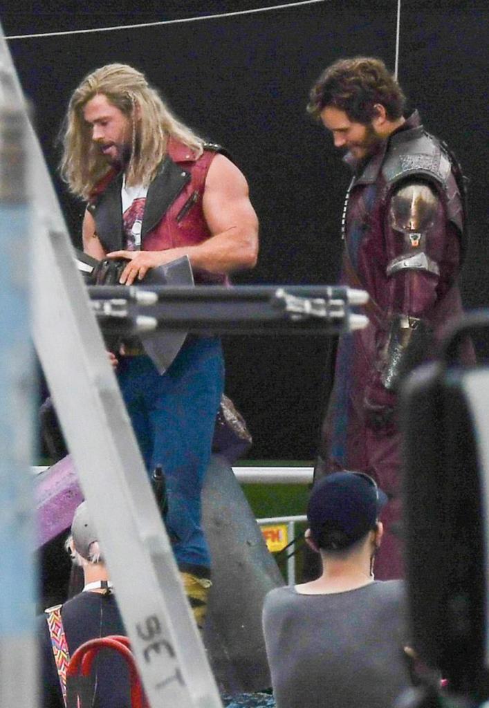 Thor love and thunder set photos